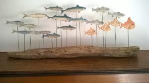 Décoration originale en céramique et bois flotté